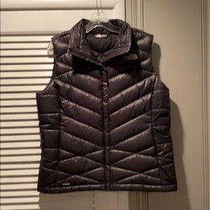 New North Face Women's Aconcagua 550 Vest